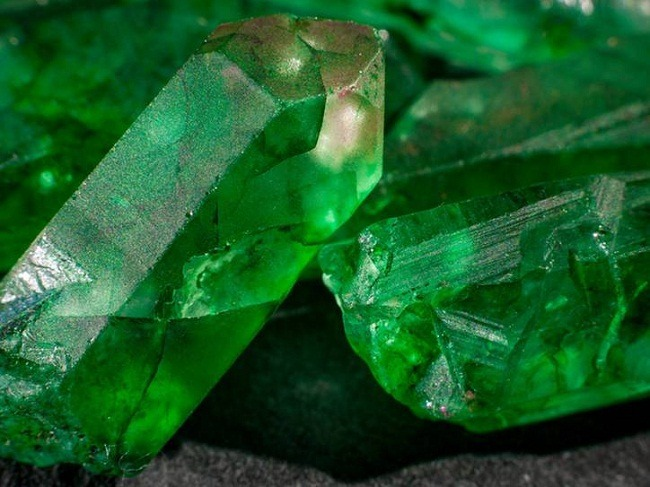 Emerald - Panna Gemstone