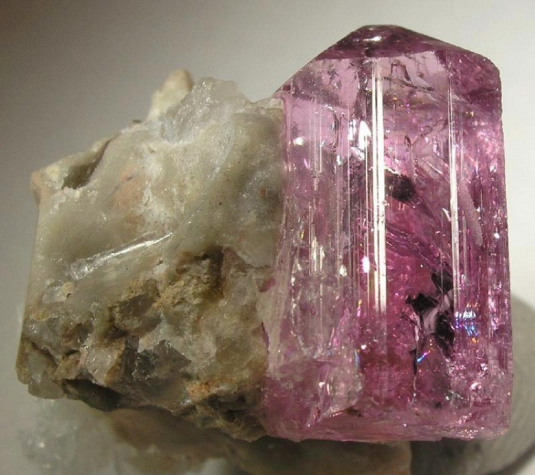 Interesting facts about Topaz