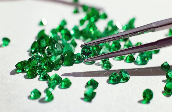 Benefits of wearing emerald
