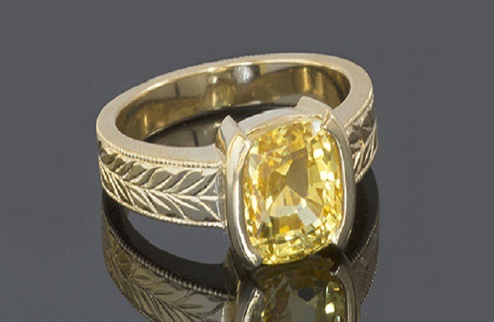 Yellow Sapphire Gemstone In Delhi